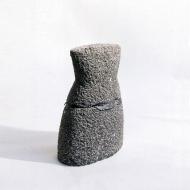 Dress, 2005, arduin, plomb, 50 x 30 x 16 cm