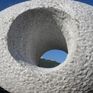 2009 Eye, marmer, 67 x 47 x 47 cm, Chatillon en Diois, Frankrijk